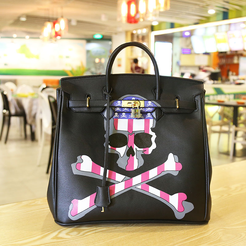 2016High Quality Famous Brands Women Leather Handbags Tote Bags PU Leather Golden Lock Skull Print 35  Designer Large Lady Purse