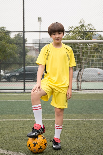 Short sleeve soccer sets for children
