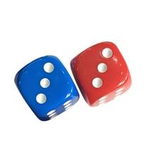 2 шт Пластиковые кубики 6 Сторона Цветные 16 мм кости для KTV вечерние бар игры(синий и красный