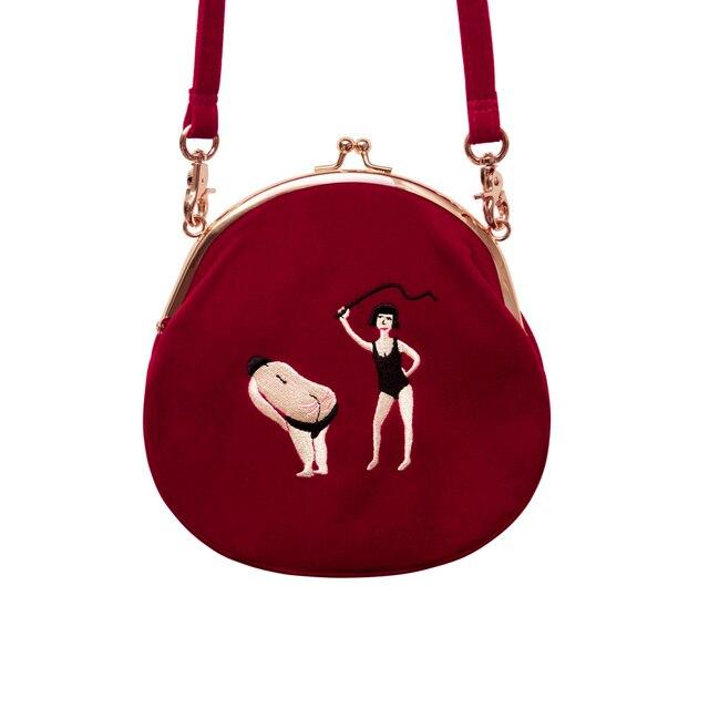 HOT! YIZI saco de Veludo das mulheres Do Vintage Bordados Mulheres Messenger Bags Em Semi-círculo Forma Original Projetado