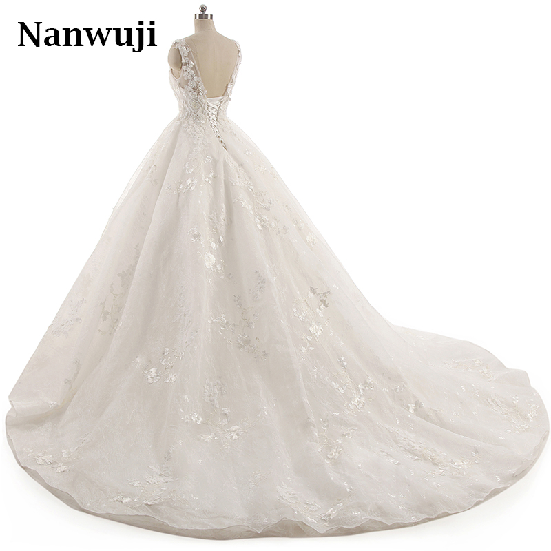 2017 New O neck Lace Wedding Dress Romantic Robe De Mariage Vestido De Noiva Sheer Backless Bride Dresses in Wedding Dresses from Weddings Events