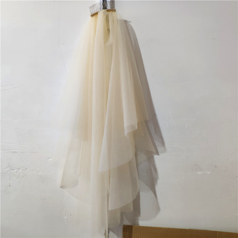 2 Layer 70cm/90cm Cut Edge Wedding Veil Simple Champagne Fingertip Length Bridal Veil Metal Comb