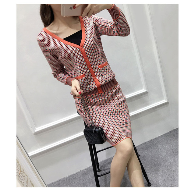 2017 Preppy Style Knitted Skirt Suits Autumn Winter Long Sleeve V Neck Sweater Women Set Fashion grid Crop Top And Skirt Set