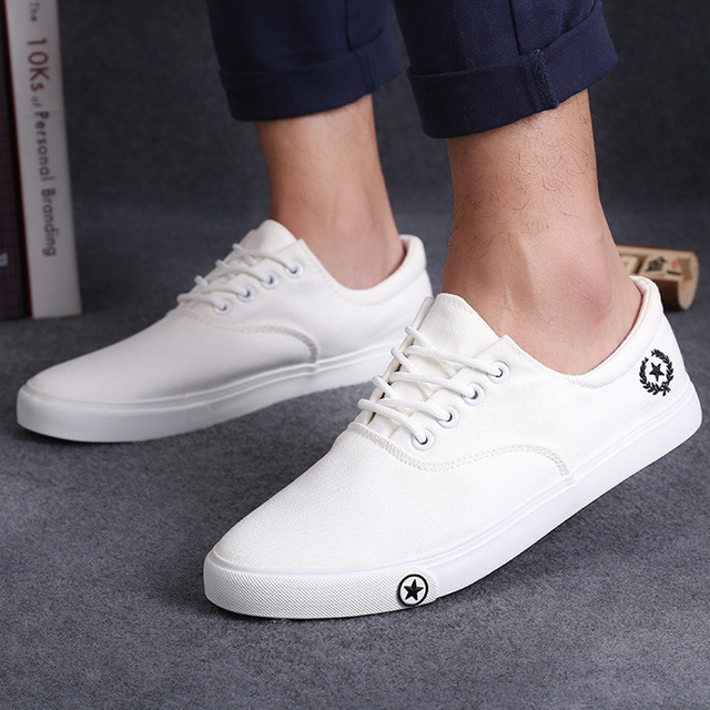 New Men Walking Shoes Spring/Autumn Black White Man Lace Up Sports Shoes  Daily Wear