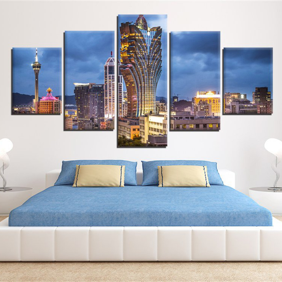 Modern Canvas HD Prints Painting Home Decor 5 Pieces Grand Lisboa Macau Skyscrapers Landscape Poster Framework Modular Pictures