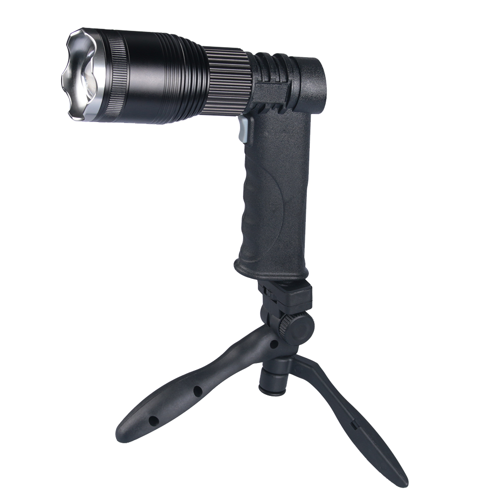Super Bright New Zoomable XM-L T6 LED Flashlight Torch Light stand Power Bank for your phone + USB Charger+ holder+cloth cover new bright ракетная установка на радиоуправлении new bright