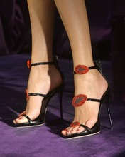Hot Selling 2019 Red Lips Crystal Embellished Roman Sandals Black Patent Leather High Heels Gladiator Sandals Women Cut-outs black fashion jewelry embellished flat sandals
