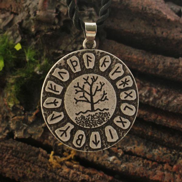 1pcs Yggdrasil Rune Necklace Viking Futhark Runes Tree Of
