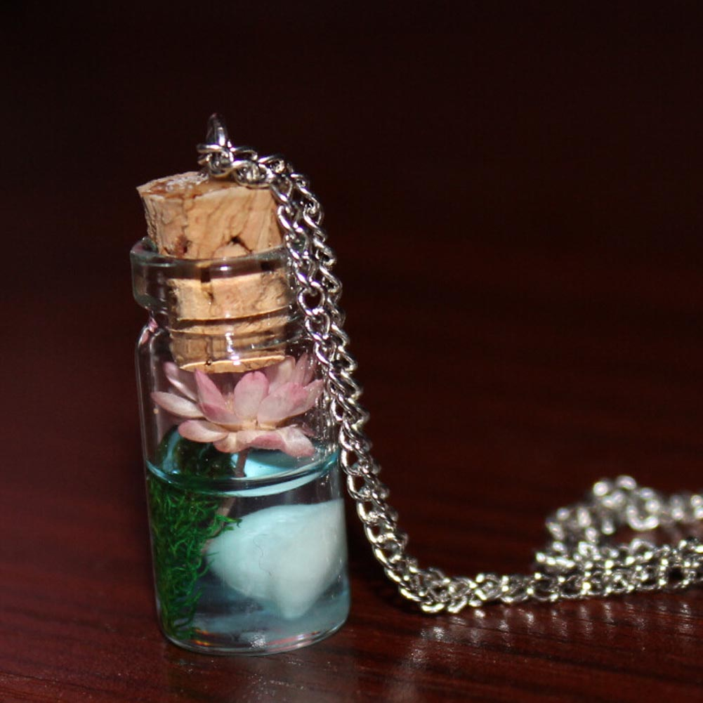 New Vintage Cretive Luminous Glow In The Dark Flower Pendant Necklace Fluorescent Glass Wish Bottle Chain Necklace For Women