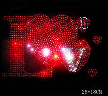 Free shipping (2pc/lot) Beautiful heart hot fix rhinestones iron on crystal transfers design