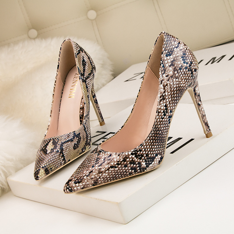 New 2019 Fashion Thin Heel Pumps Sexy Snake Print PU Leather Shoes Women's Pumps Shallow High Heels For Party Wedding Shoes