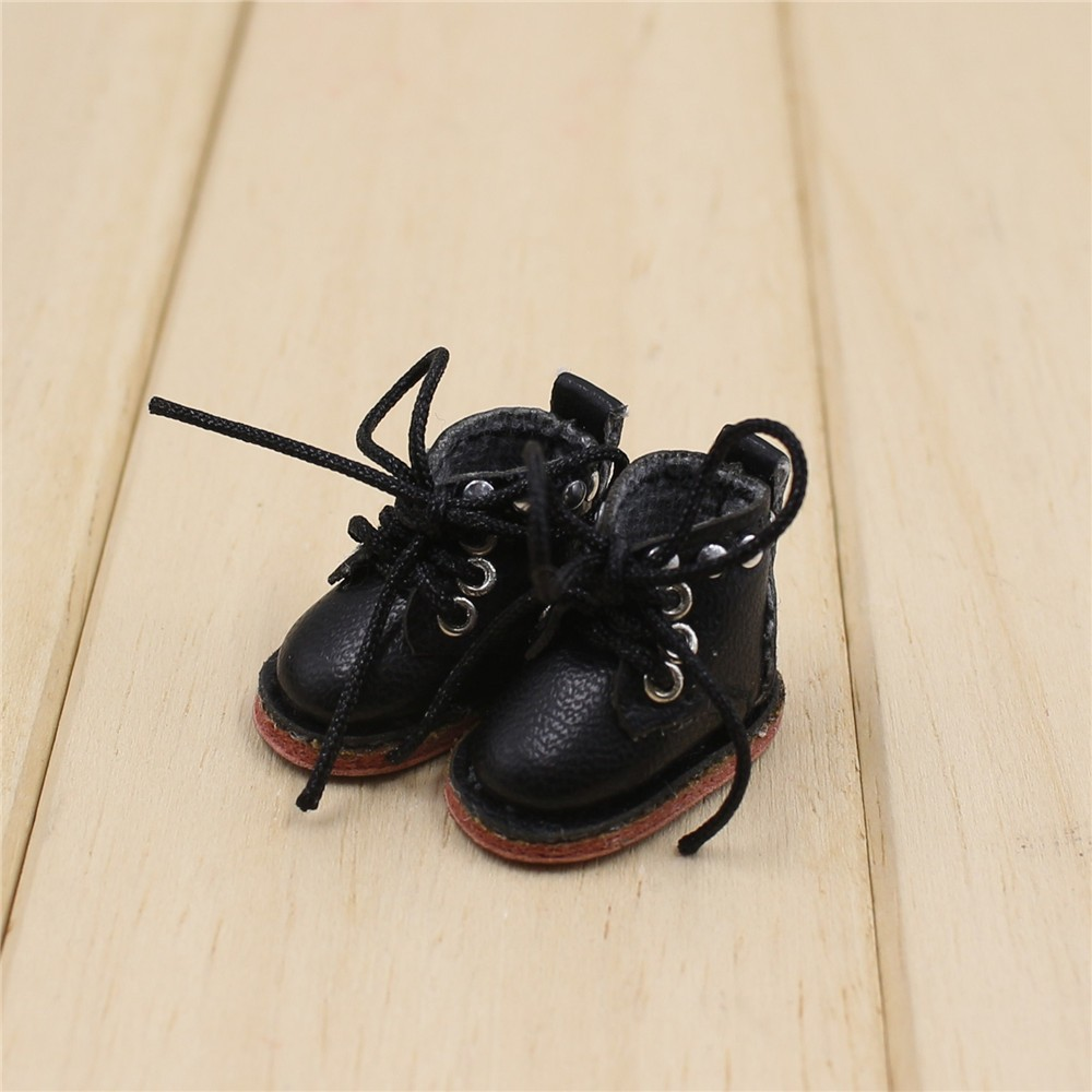 Middie Blythe Doll Shoes 3