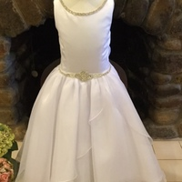 Simple Design Satin Jewel Beaded Princess Communion Dresses Button Back Fully Lined Kids Ball Gowns with Big Bow 2-12 Year Old
