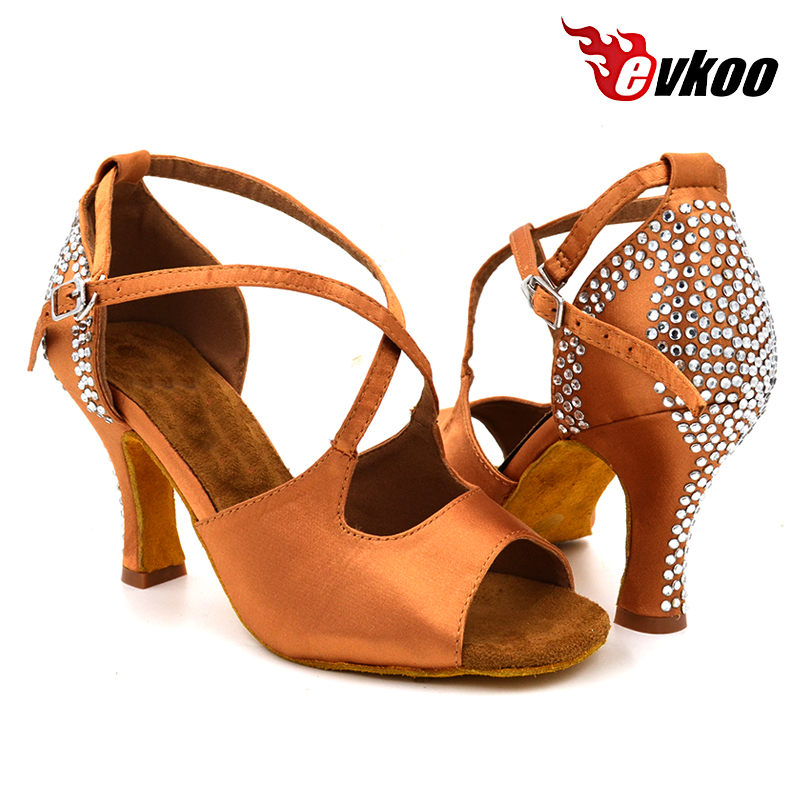 5346b7e2f2319 Evkoodance Marque Tan Satin Avec Strass 8 cm Talon Hauteur Chaussures de Danse  Latine Salsa Pour Les Femmes Evkoo 440 dans Chaussures de danse de Sports  et ...