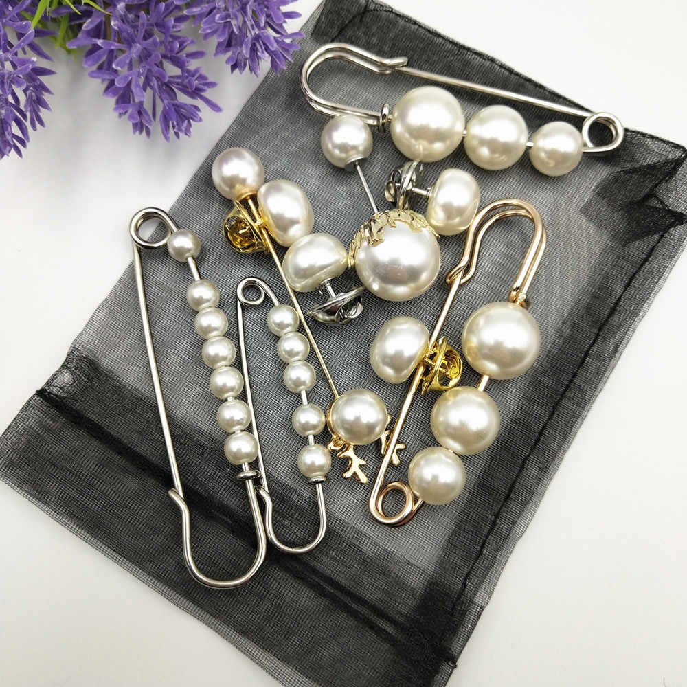 Fashion Simulated Pearl Brooches Pin Dress Rhinestone Decoration Buckle Pin Jewelry silver gold Brooches Gifts For Men Women