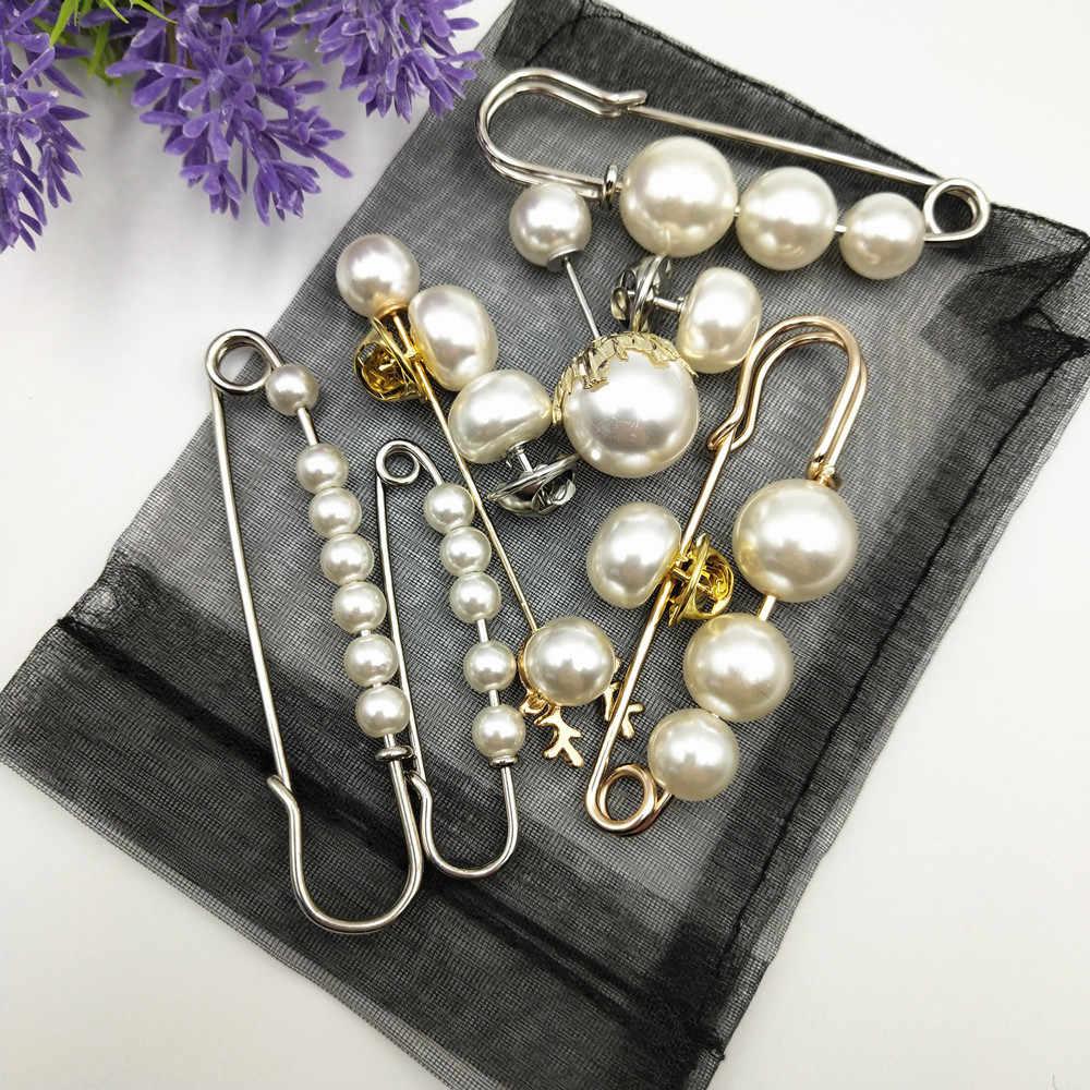 Fashion Disimulasikan Mutiara Bros Pin Dress Hiasan Berlian Imitasi Gesper Pin Perhiasan Emas Perak Bros Hadiah untuk Pria Wanita