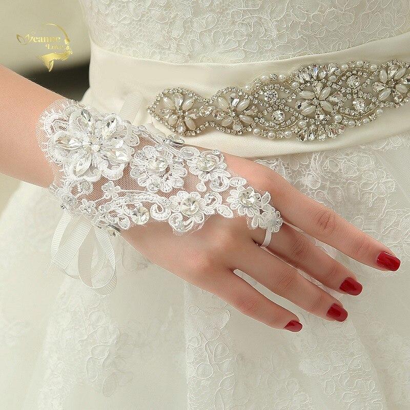 Shining Beaded Lace Womens Gloves Wedding Accessories Fingerless Wrist Cheap Pretty Bridal Gloves Gants De Mariage Pour Femme