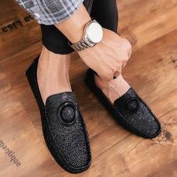 Homens sapatos casuais 2019 primavera verão mocassins novos deslizamento em couro jovens sapatos masculinos respirável moda plana calçado preto
