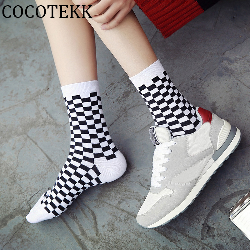Harajuku Street Fashion Trendly Women Socks Black And White Squares Pattern Socks Men Novelty Skateboard Funny Cotton Socks