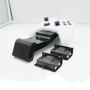 Image 4 - Z ekranem stanu ładowania gamepad stacja ładująca baza plus 2 zestawy akumulatorów do konsoli Xbox One/One S/One X