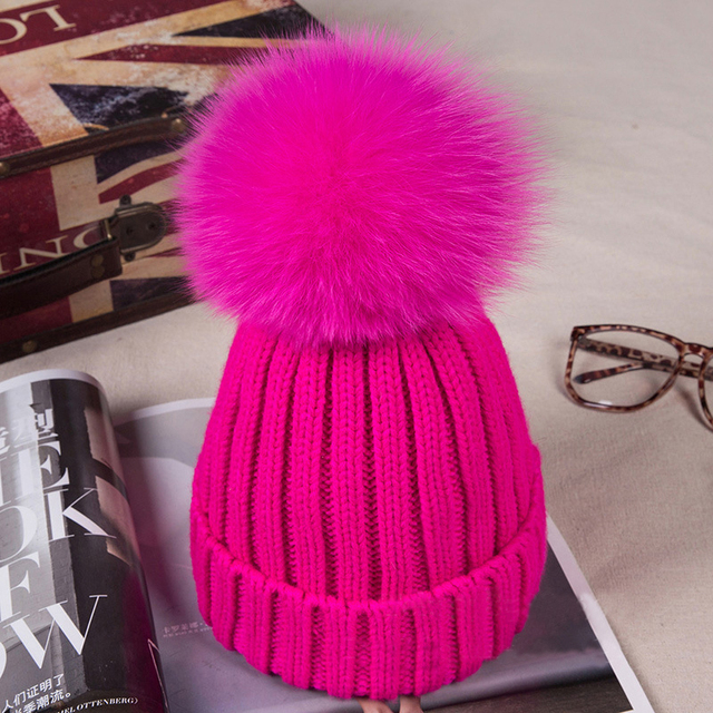 New Year raccoon fur hat in the winter of 100% real 12 cm fur pompom fur female fox fur hats cashmere blended thickening bonnet