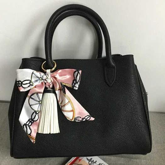 Nueva moda elegante satén seda Bowknot PU cuero borla llavero para mujer bolso encantos accesorios Llaveros 13 colores