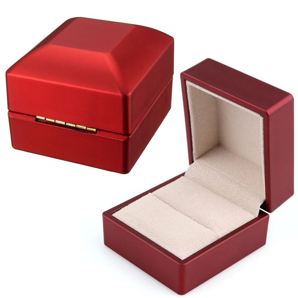Hot Luxury Ring Leather Box With LED Light Engagement Wedding Rings Case Boxes Red New 2019 DropShipping