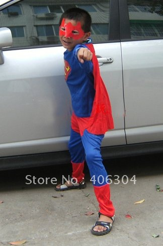 Free shipping,Children Superman costumes Halloween costume cape three sizes
