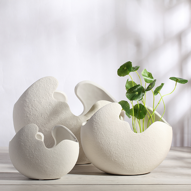 Modern ceramic vase ornaments white eggshell hydroponic for Contemporary ornaments for the home
