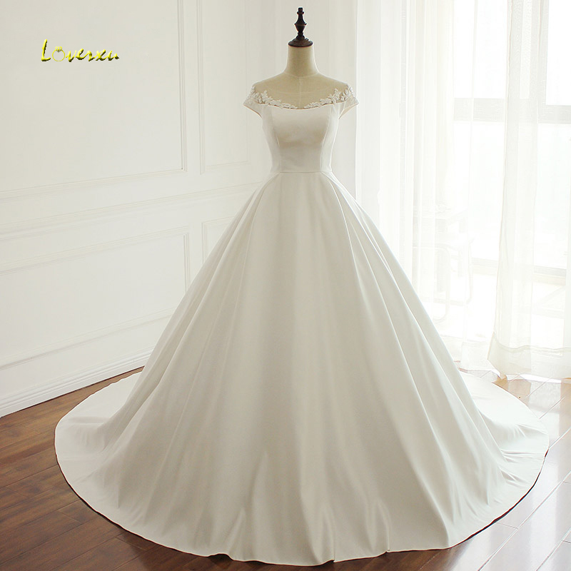 Loverxu Vestido De Noiva Scoop Neck A Line Wedding Dresses 2018 Sexy Appliques Beaded Vintage Matte Satin Bridal Gown Plus Size