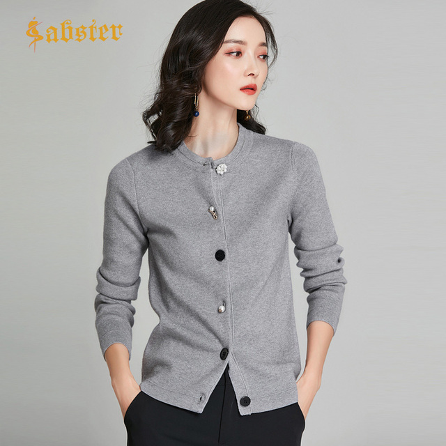 2018 New Arrival Women Chic Cardigans Pearl Decoration Buttons Knitted Cotton Cashmere Solid Color Wild Slim Jacket kz353