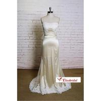 Simple Tulle Sheath Style Wedding Dress Court Train Ivory Lace Semi Sweetheart Neckline Bridal Gown With