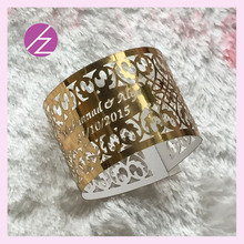 100 шт./лот,, дешево, бесплатный логотип, надпись, кольцо для салфеток для свадьбы, бумажные изделия, блестящая металлическая Золотая бумага с индивидуальным именем