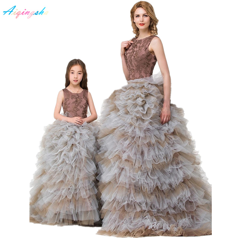 Mother Daughter Wedding Dresses Women Baby Evening Dress Family Clothing Kids Ball Gown Prom Performance Formal Wear Girls SkirtMother Daughter Wedding Dresses Women Baby Evening Dress Family Clothing Kids Ball Gown Prom Performance Formal Wear Girls Skirt