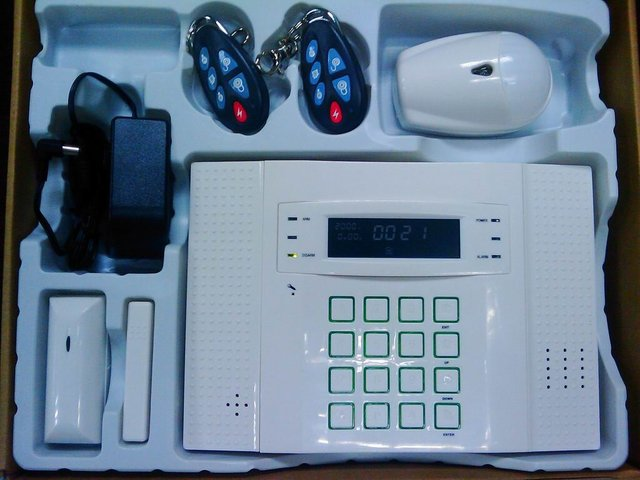 GSM home alarm with LCD text & diagram display SMS & voice house alarm systems GSM & PSTN 32 wireless 8 wired zones wholesale