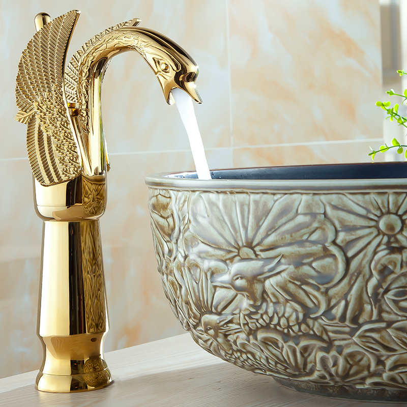 Antique Swan Design Basin Faucet Gold Brass Deck Mouted Kitchen Faucet Pure Brass Mixer Hot And Cold Water Kitchen TapsAntique Swan Design Basin Faucet Gold Brass Deck Mouted Kitchen Faucet Pure Brass Mixer Hot And Cold Water Kitchen Taps