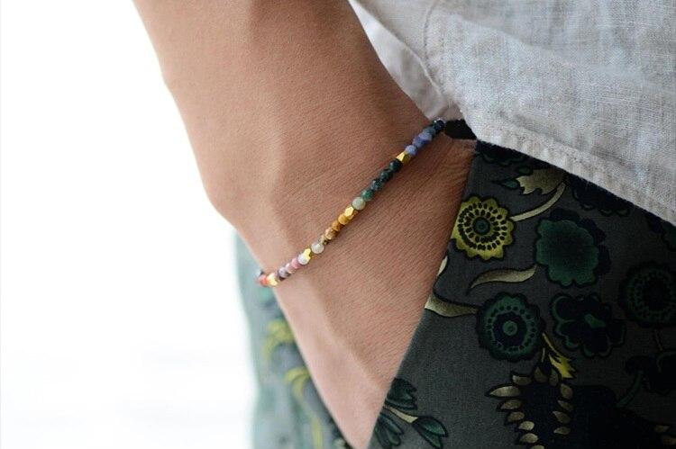 Bracelet 7 Chakras au poignet