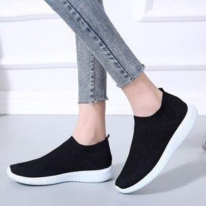 Image 5 - Sneaksrs النساء أحذية 2020 موضة الحياكة تنفس أحذية مشي الانزلاق على حذاء مسطح حذاء كاجوال مريحة امرأة حجم كبير
