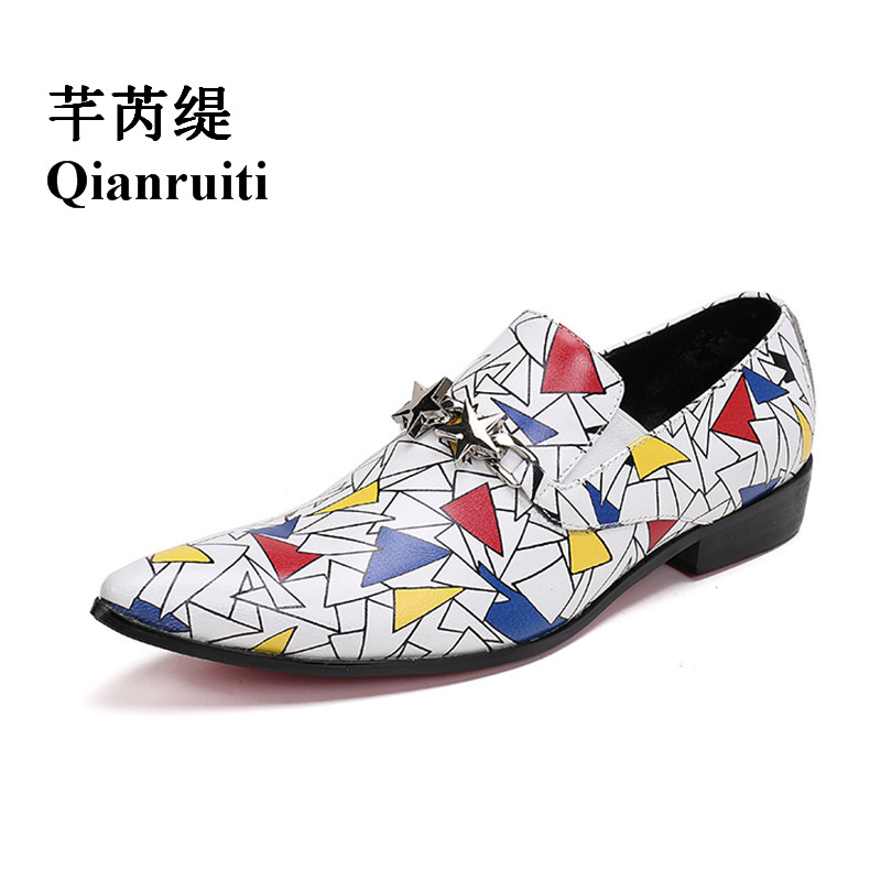 Qianruiti Men Patchwork Painting Loafers British Style Pointed Toe Wedding Oxfords Silver Star Slip-on Slippers Men Dress Shoe qianruiti men slip on loafers metal toe lion head business wedding oxfords silver chain high quality men dress shoe eu39 eu46