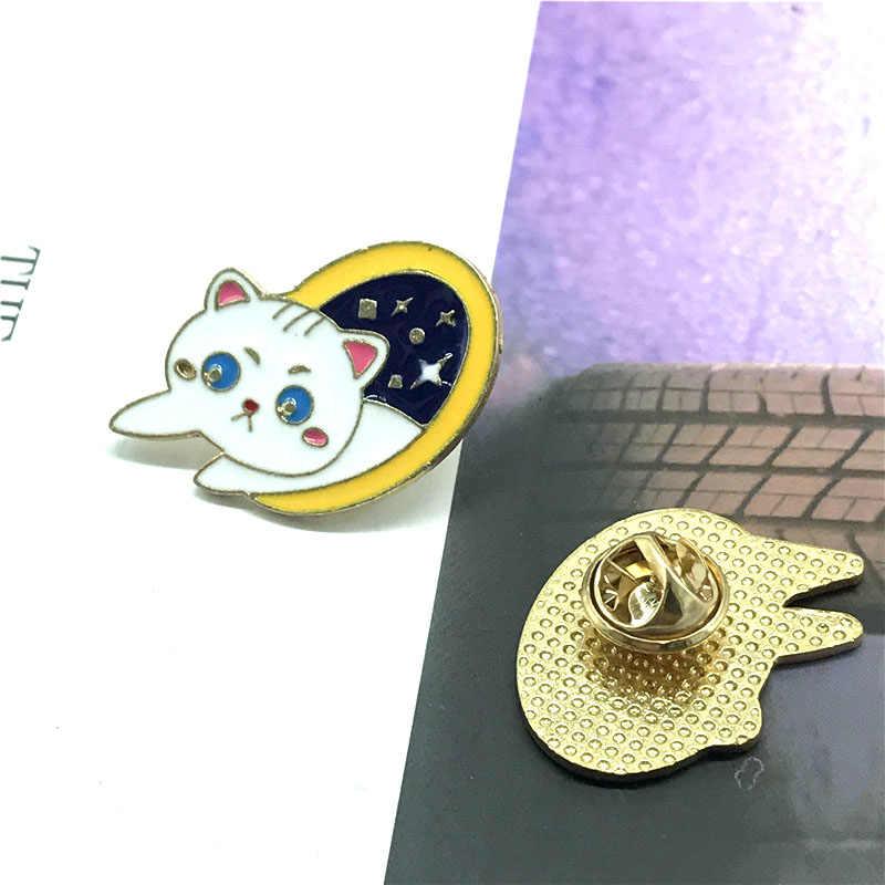 Nuovo animale sveglio gatto bianco distintivo spilla personalità creativa piccola camicia bianca fresca migliore corrispondenza attaccatura dei monili regalo