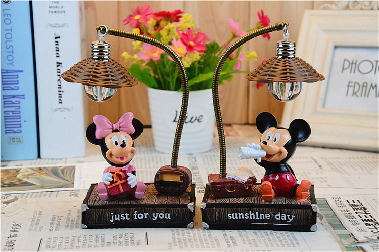 Mickey Minnie Mouse Resin Action Figures Kids Toys Mickey Minnie Night Light Lamp Gift Doll for Girls collection