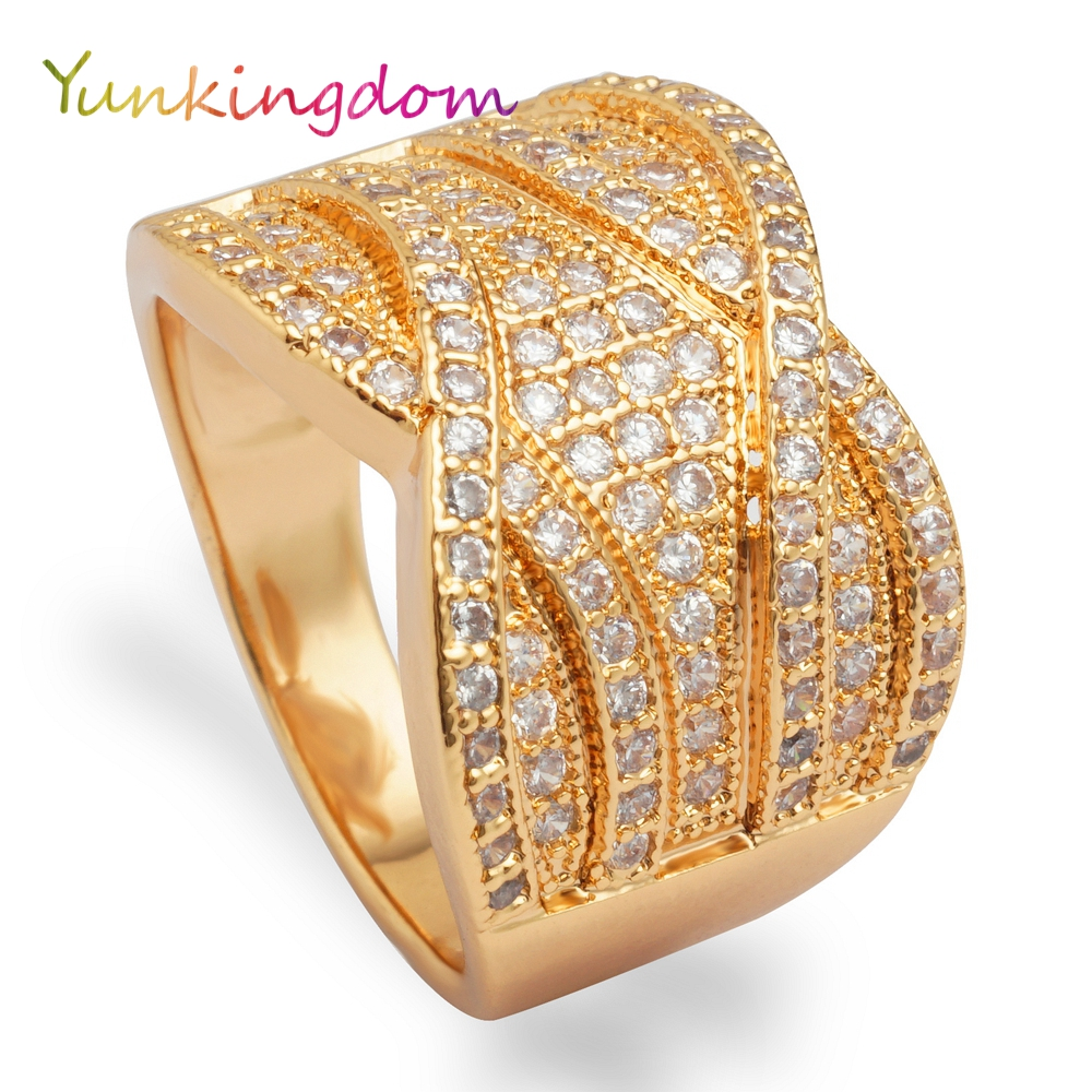 Yunkingdom New shining full rhinestone finger rings for woman luxurious gold color charming fashion jewelry