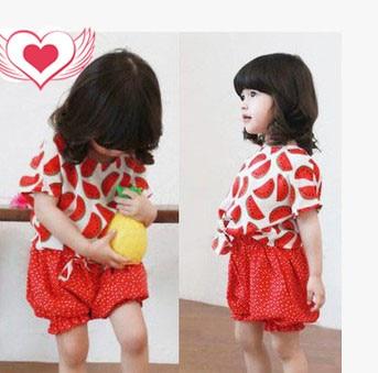 Девочка 2 шт. комплект одежды рюшами шаровары + симпатичные футболки малышей хлопок одежда для новорожденных мода одежды в летнее время бесплатная доставка