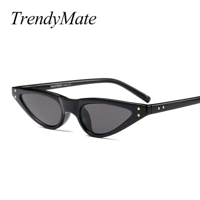 b22d25d406a3a Pequeno Triângulo Óculos De Sol Retro Mulheres Óculos Vermelho Óculos  Vintage Rebite Pontos Projeto Do Gato