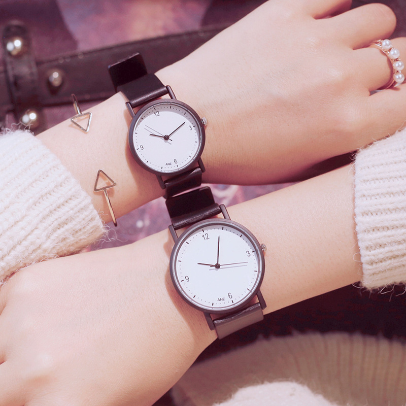Simple Black White Women Watches 2 Sizes Fashion Silicone Strap Quartz Wristwatches Drop Shipping Woman Clock No Logo
