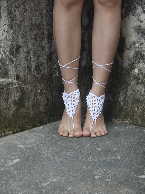 805a2ce6af86cd White crochet barefoot sandals-Bridal Anklets -Beach wedding barefoot  sandals