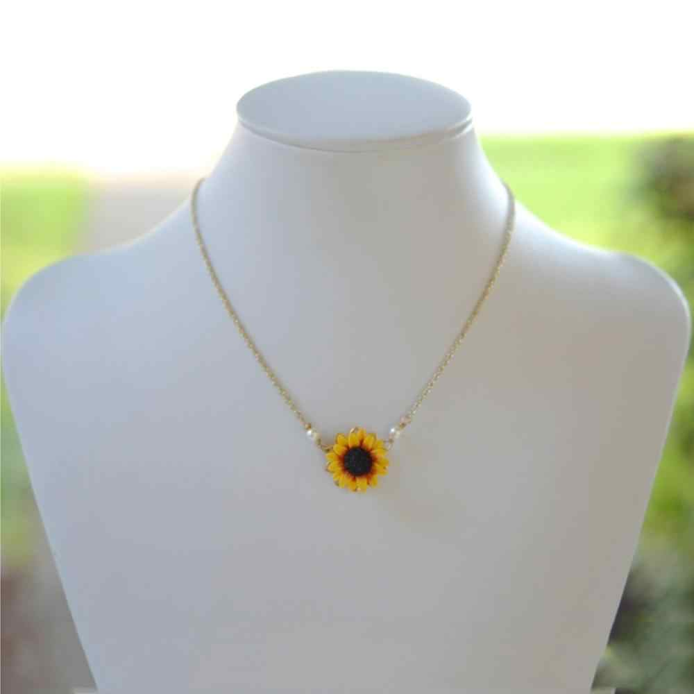 1pc Delicate Sunflower Pendant Necklace Women Imitation Pearl Clavicle Choker Bride Chains Jewelry Necklace Clothes Accessories