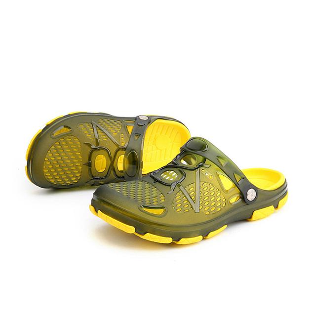 FONIRRA 2018 Summer Hollow Out Light Men Sandals Clogs Slip On Jelly Shoes Flats Outside Massage Soft Men Beach Sandals 867