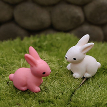 2pcs/lot Rabbit Cartoon Animals Micro moss landscape Toys Cute Lovely Model Kids Toy 2cm PP Bags PVC Children Action Figure