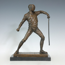 ATLIE Bronze Fencing Statues Western Fencer Copper Sculpture Modern Art Swordsman Figurine for Club Decoration